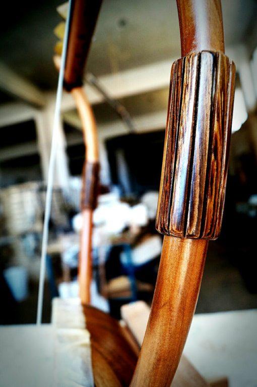 Η θαυμαστή λύρα του Ολύμπου (Χέλυς με ξύλινο ηχείο από ντούγες) - seikilo.com