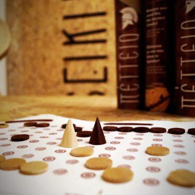 Πέττεια - αρχαίο ελληνικό παιχνίδι - Seikilo - www.seikilo.com