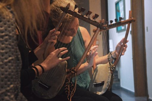 SEIKILO Experiences - Thessaloniki - Learn an Ancient Music Instrument: The Lyre of Apollo